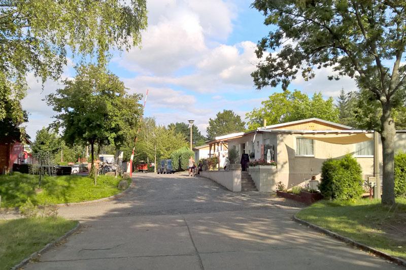 Einfahrt zum Campingplatz Dresden Mockritz